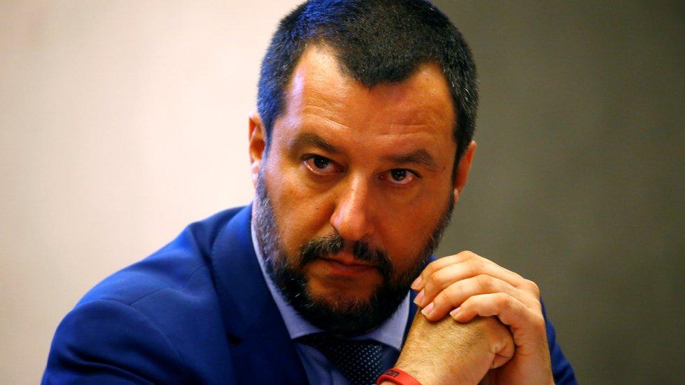 İçişleri Bakanı Matteo Salvini hakkında soruşturma açıldı.