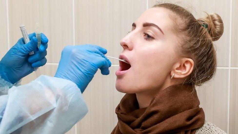 Yeni ve hızlı testlerin mevsimsel grip ile Covid-19'u ayırt etmekte faydalı olacağı söyleniyor