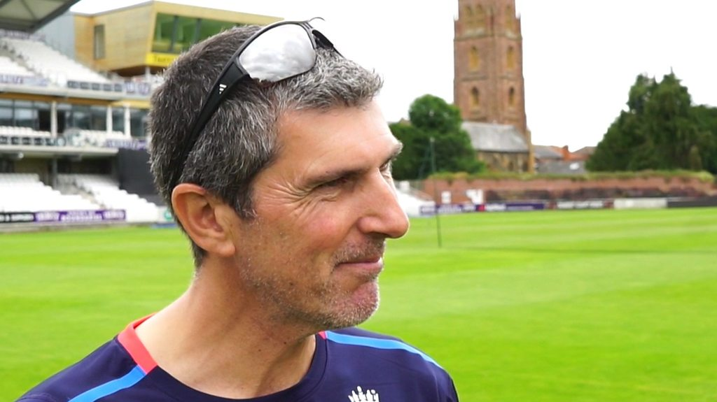 Mark Robinson: England players need more T20 experience