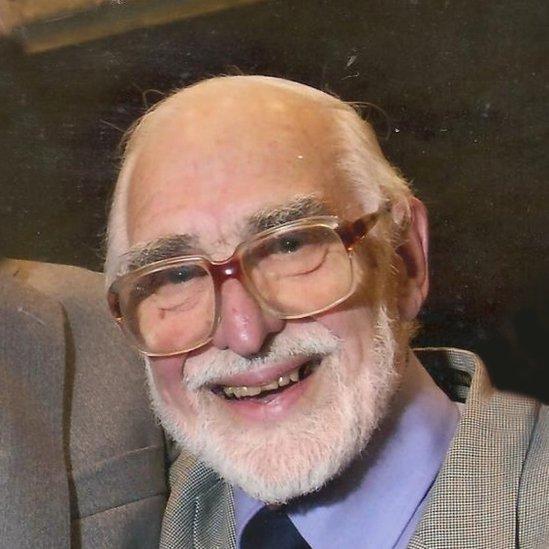 Dr Gareth Hughes-Thomas