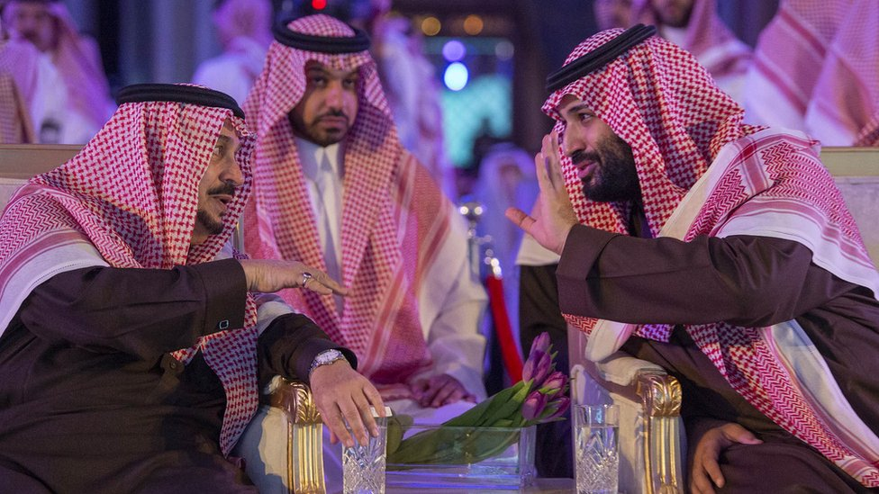 King Salman of Saudi Arabia (L) and Crown Prince Mohammed bin Salman (R) speak at a ceremony in Riyadh on 28 January 2019