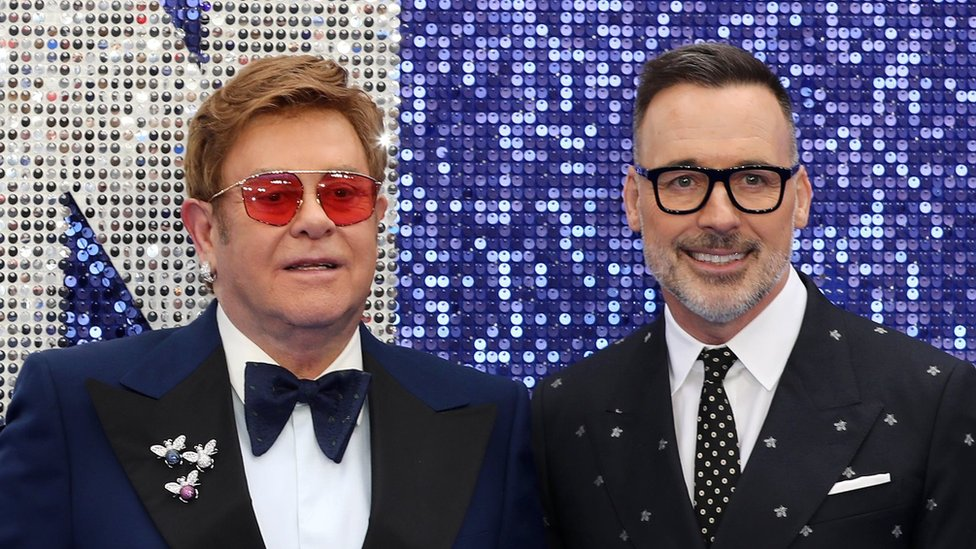 BBC News - Sir Elton John calls Vladimir Putin's gay rights claims 'hypocrisy'