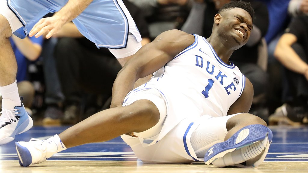 Zion Williamson injured as Nike shoe falls apart after 33 seconds