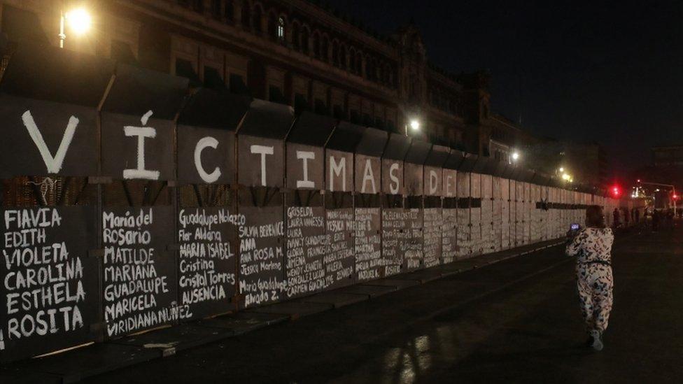 Valla en el Palacio Nacional de México.