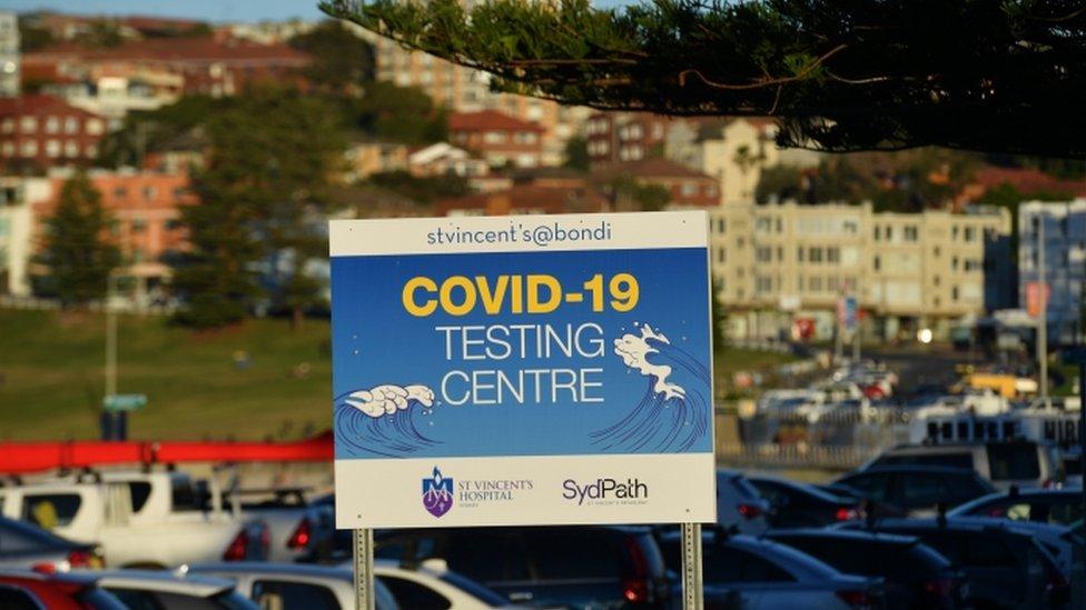 Placa de teste Covid em Bondi Beach, NSW 26 de junho de 2021