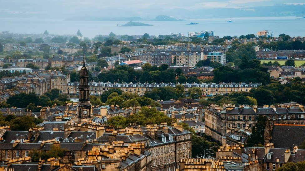 Edinburgh enjoys property market boost in last quarter