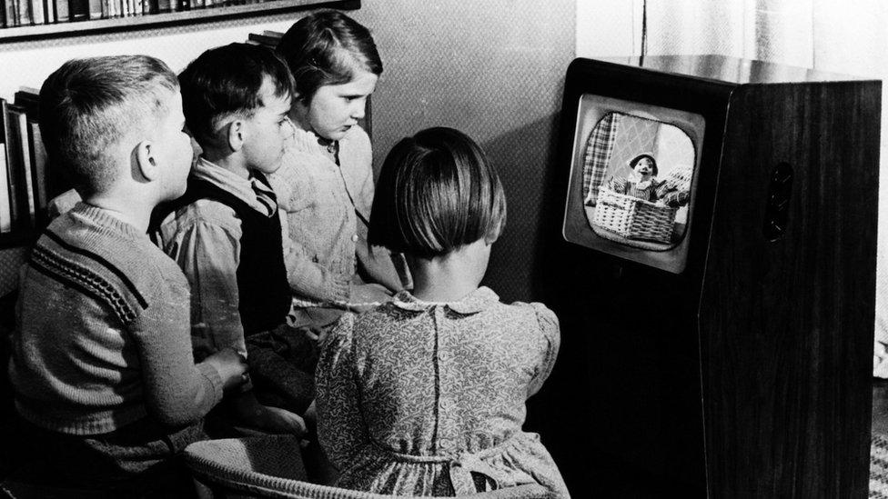 Deca gledaju televiziju, 1950.
