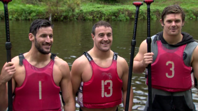 Ulster Rugby players try paddle boarding