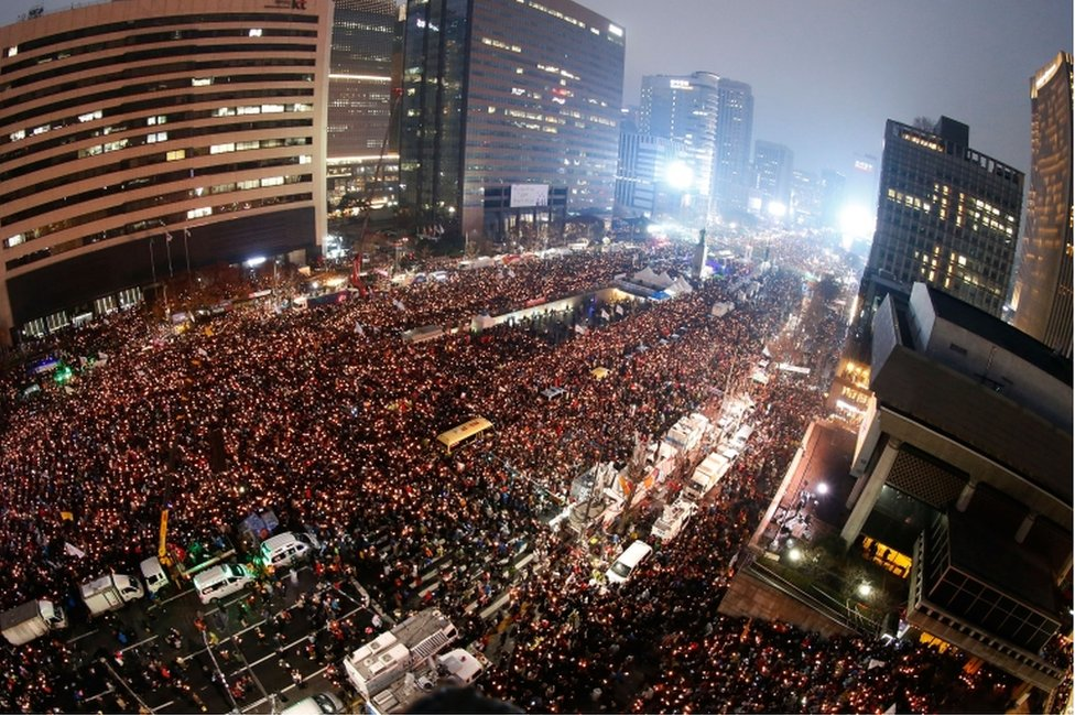 Thousands of South Koreans take to the streets in the city centre to demand President Park Geun-Hye steps down on 26 November, 2016 in Seoul, South Korea.