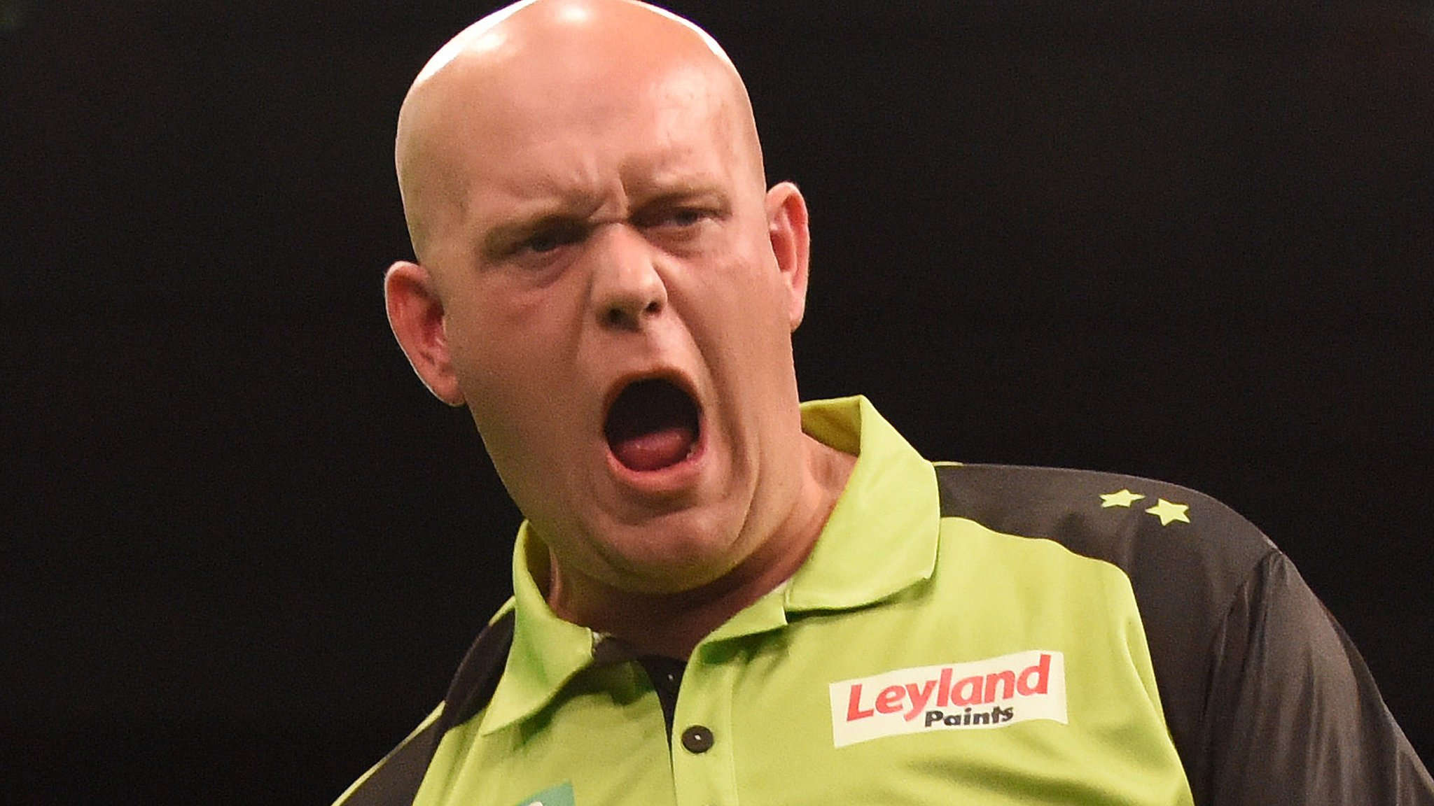 Van Gerwen & Suljovic in winning starts in Brighton