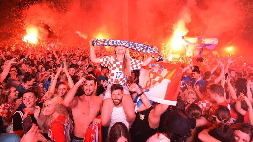 Hırvat taraftarların kutlaması