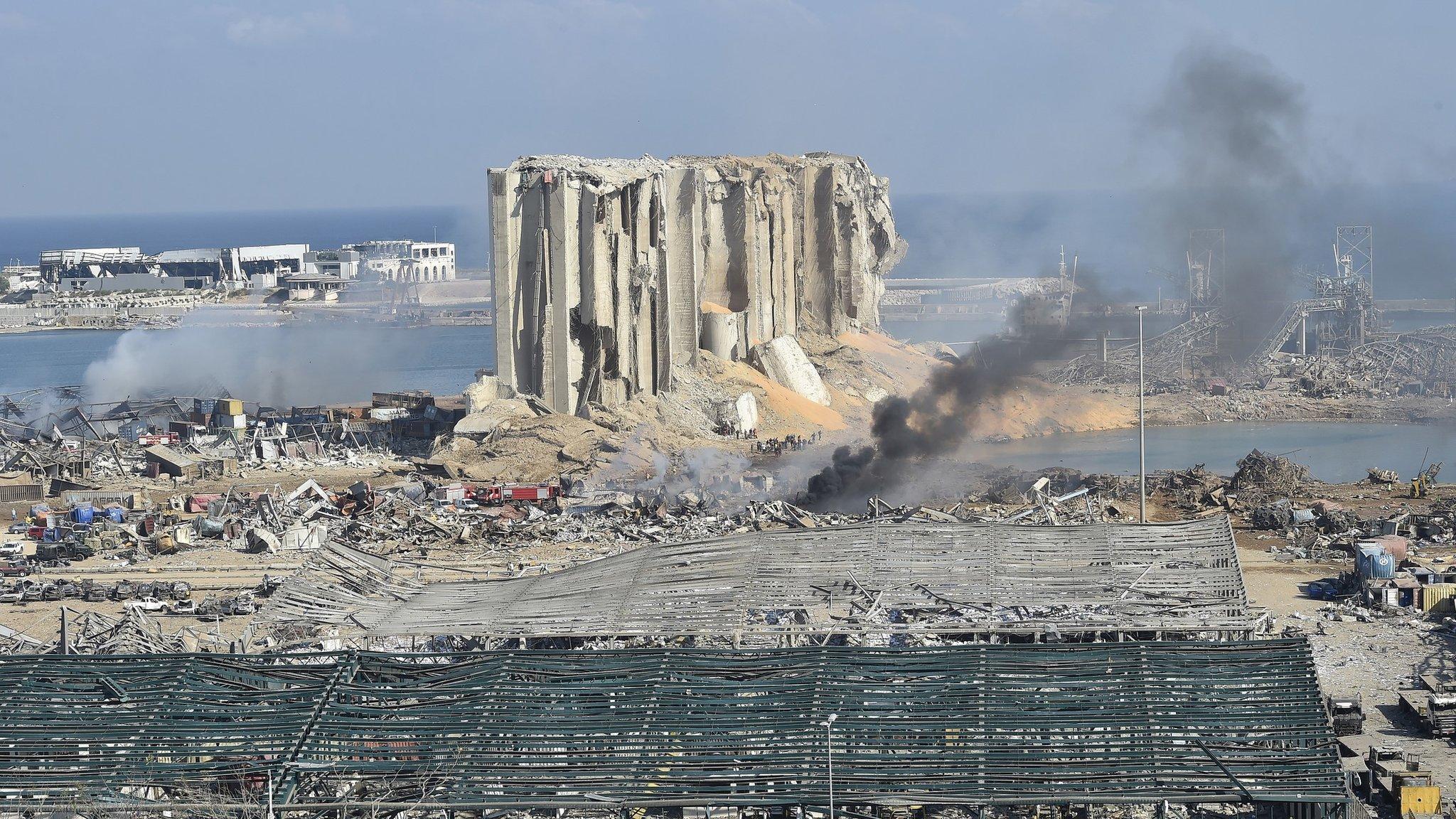 Взрыв в Бейруте: поиск пропавших, подсчет жертв и страх перед будущим