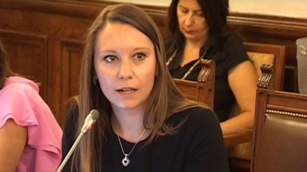Narodna poslanica Ana Stevanović tokom sednice Odbora za kulturu i informisanje