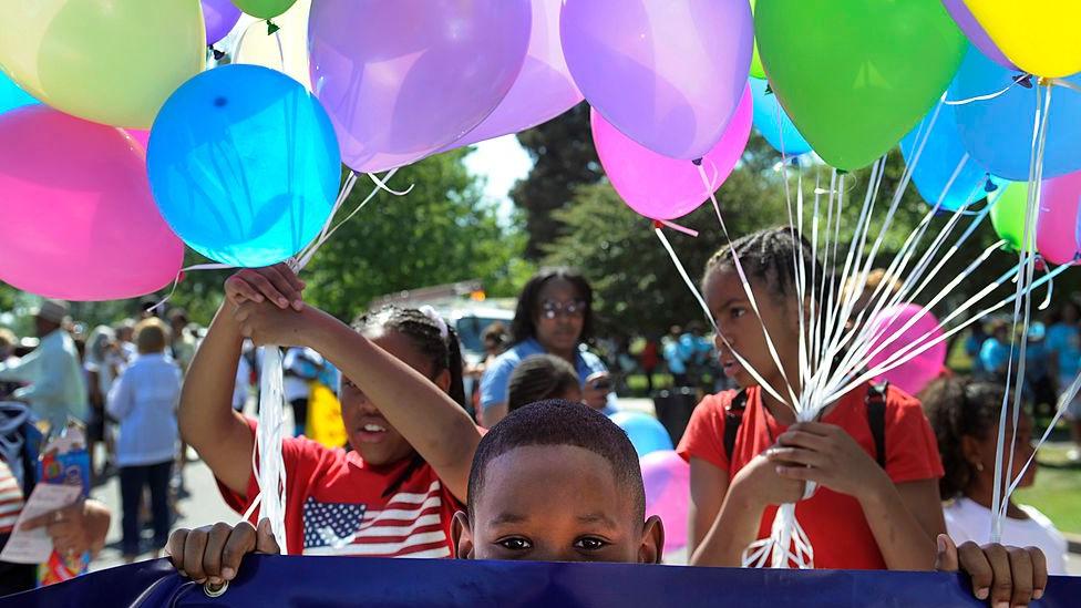 Niños en una conmemoración de Juneteenth en 2019.
