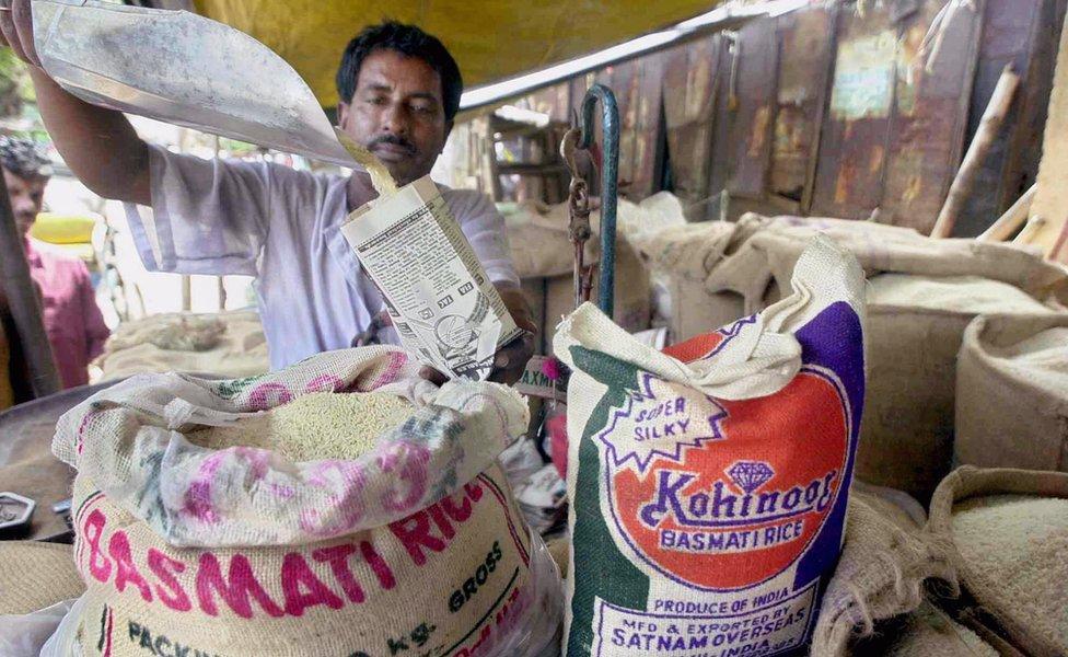 Iran menukar minyak mentah dengan beras dari India. Beras adalah makanan utama bagi orang Iran.