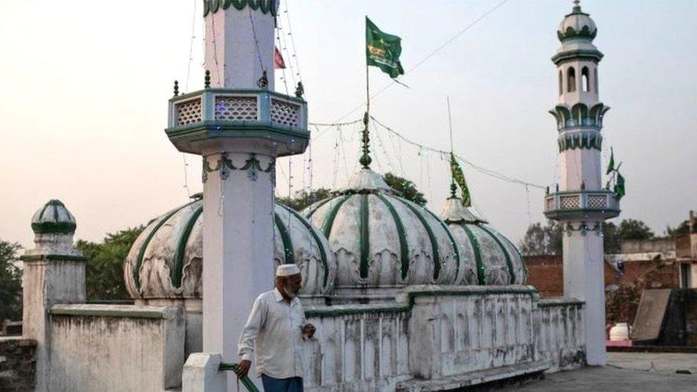 अयोध्या में मुस्लिम पक्ष क्या पांच एकड़ ज़मीन लेने से इनकार भी कर सकता है?