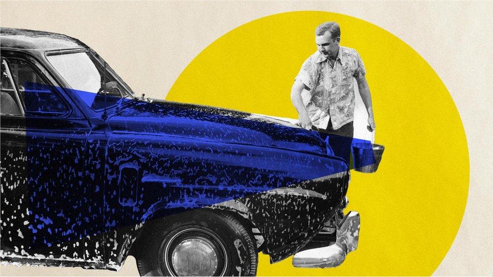 Ekološki najpovoljniji način da operete automobil je verovatno pomoću kofe i sunđera, a razmotrite i da sapunicu posle isperete mlazom pod pritiskom