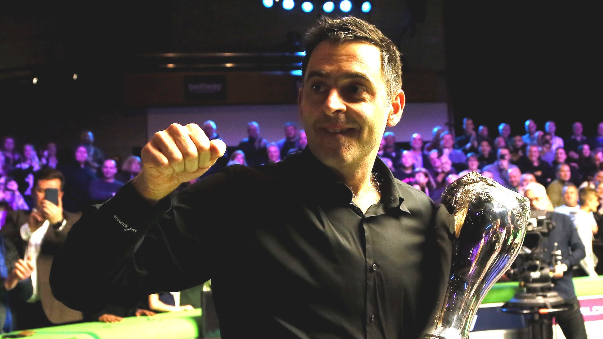 I'd love to see O'Sullivan nominated for Sports Personality, says Davis