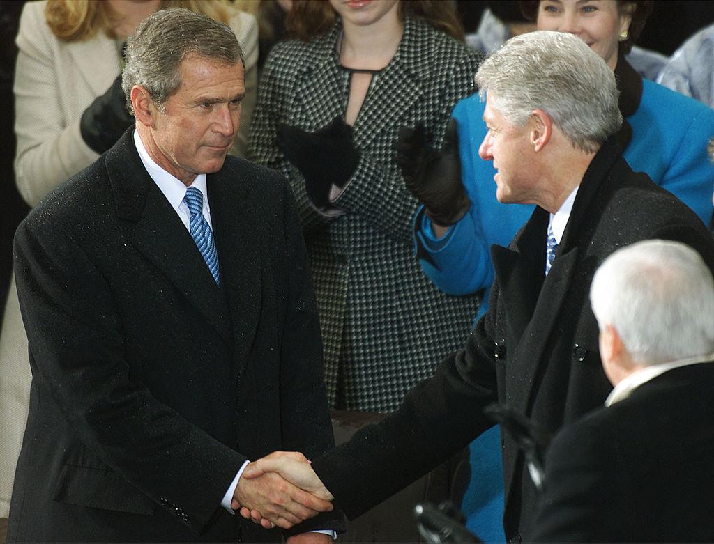 George Bush y Bill Clinton.