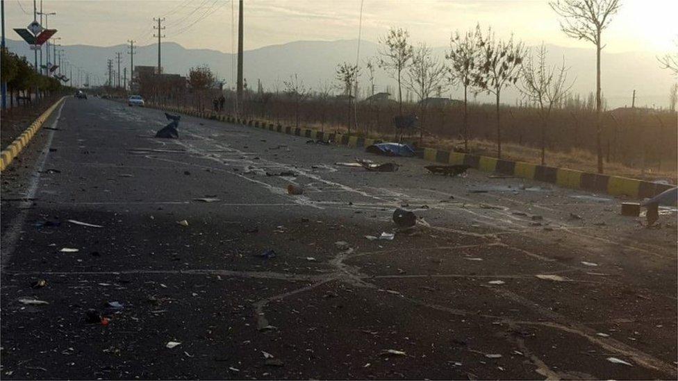 Restos de un vehículo explotado