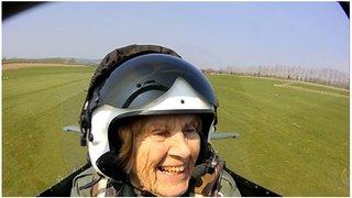 When WW2 veteran flew Spitfire again
