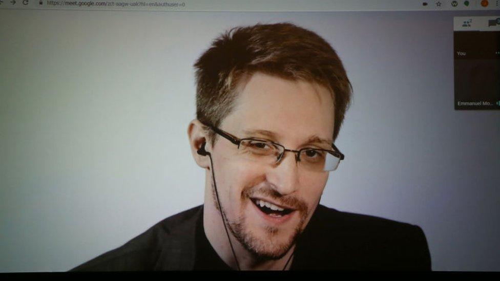 США хотят отсудить у Сноудена гонорар за его книгу