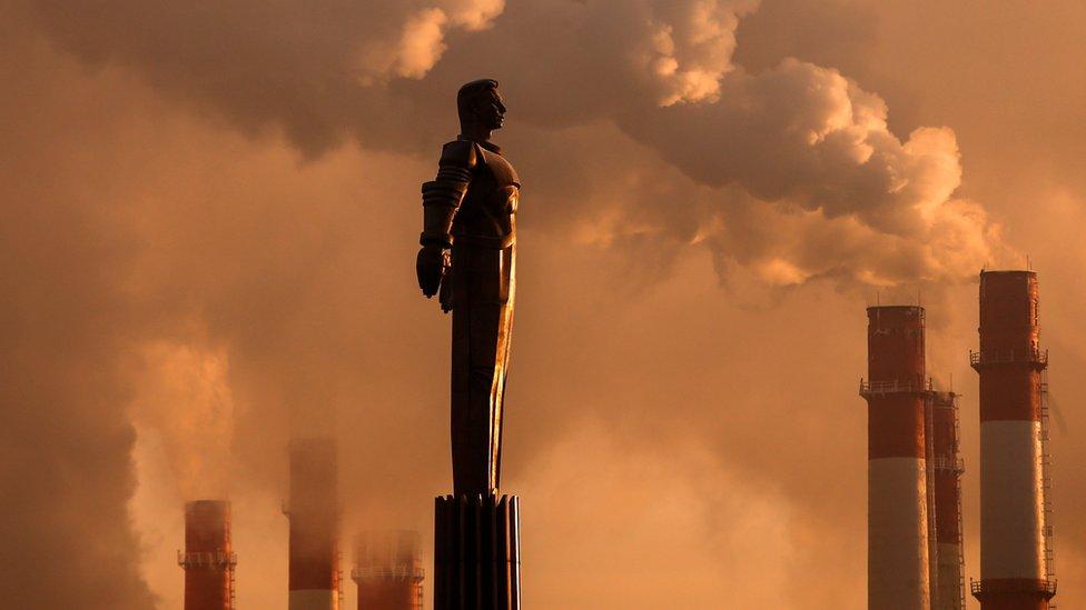 Un monumento a Yuri Gagarin en Moscú