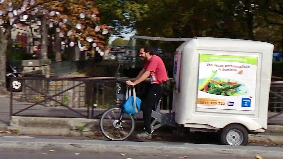 delivery bike courier