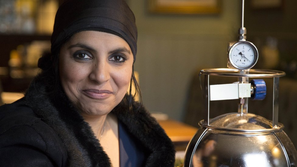 Dr Saleyha Ahsan investigates the perfumed chemicals in our homes.