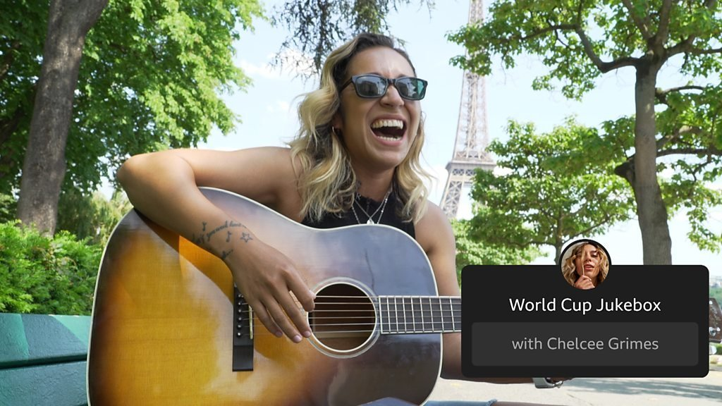 BBC Sport - Chelcee Grimes performs songs by Dua Lipa and Blackpink while in Paris for the Women's World Cup