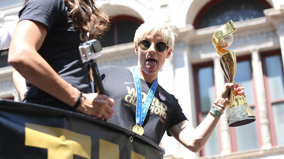 Rapinoe fue parte del equipo estadounidense que ganó el Mundial de Fútbol Femenino en 2015.