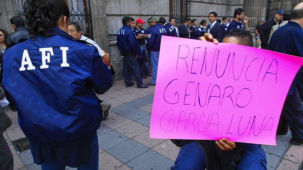 Protesta contra Genaro garcía Luna