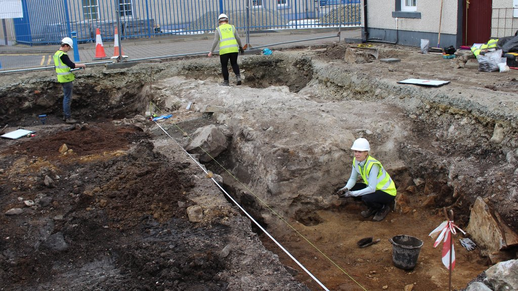 Building work uncovers 17th Century fort in Stornoway