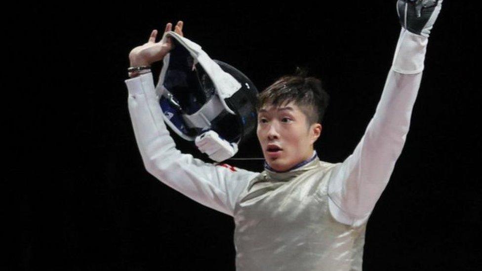 香港代表隊在東京奧運贏得久違的獎牌,男子擊劍選手張家朗在男子花劍個人項目奪得金牌。