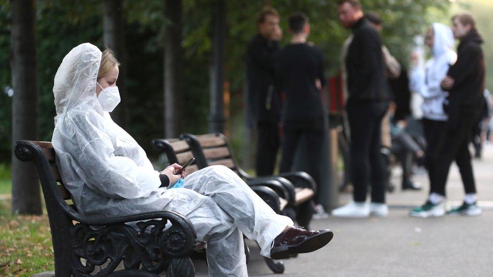 Коронавирус в России: все больше зараженных и безработных. И табак подорожает