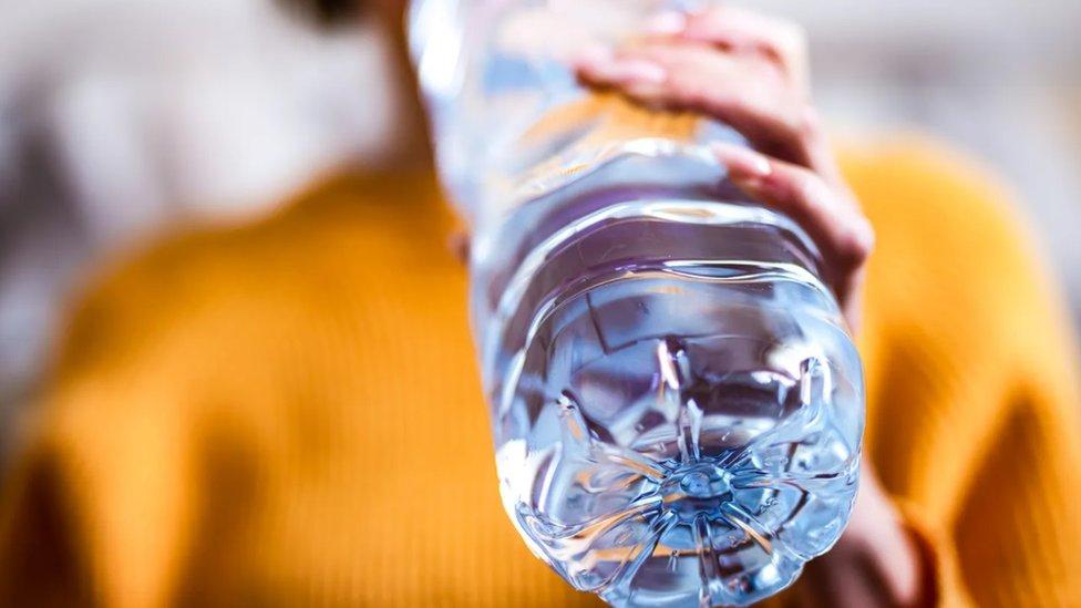 Mnogi od nas kad krene da raste temperatura instinktivno posežu za vodom