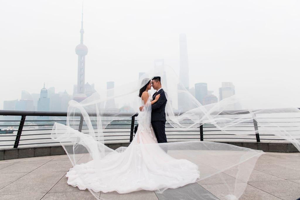 中國法律現時規定最低結婚年齡,男不得早於22周歲,女不得早於20周歲。