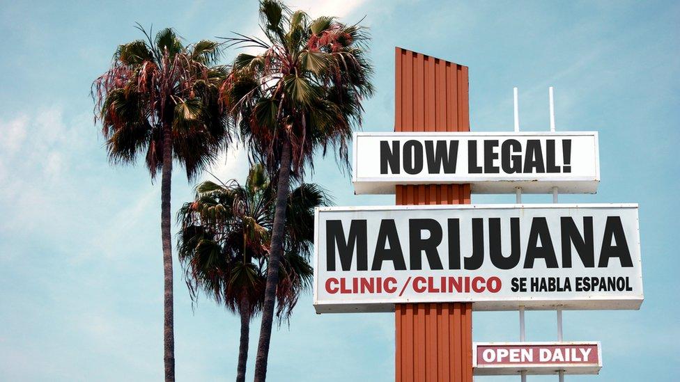 Clínica que ofrece tratamientos con marihuana en California