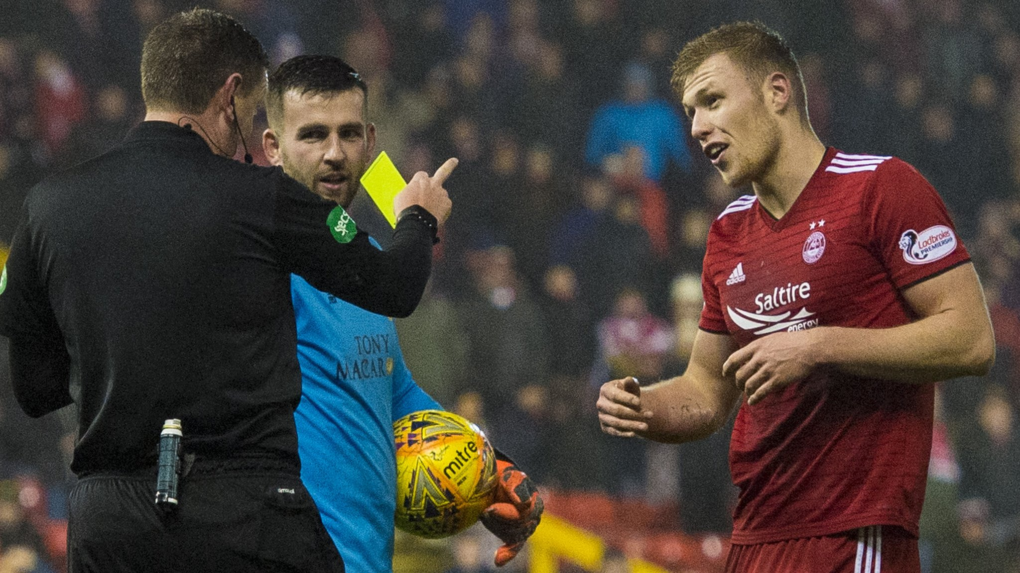 Sam Cosgrove: Aberdeen win appeal against 'diving' yellow card