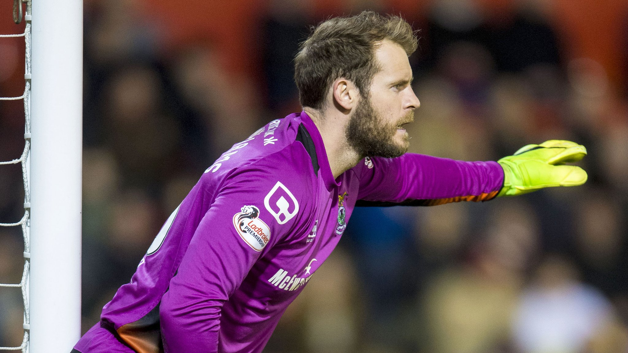 Goalkeeper Fon Williams joins Hamilton from Inverness