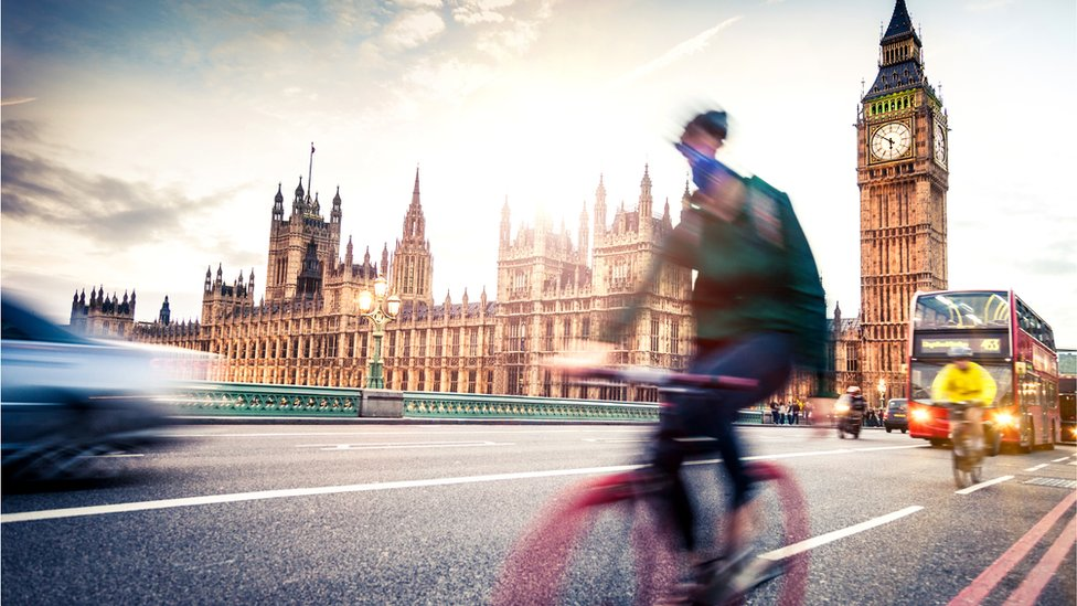 Un ciclista en Londres.