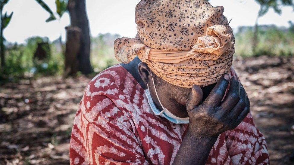 Mujer en Lukodi.