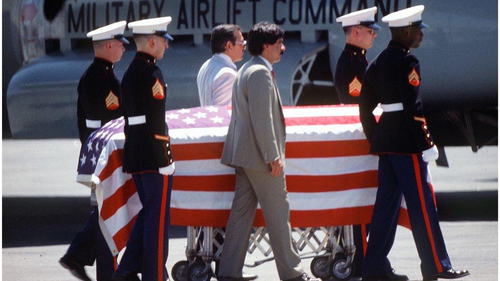 Kovčeg u kome je Kamarena sahranjen