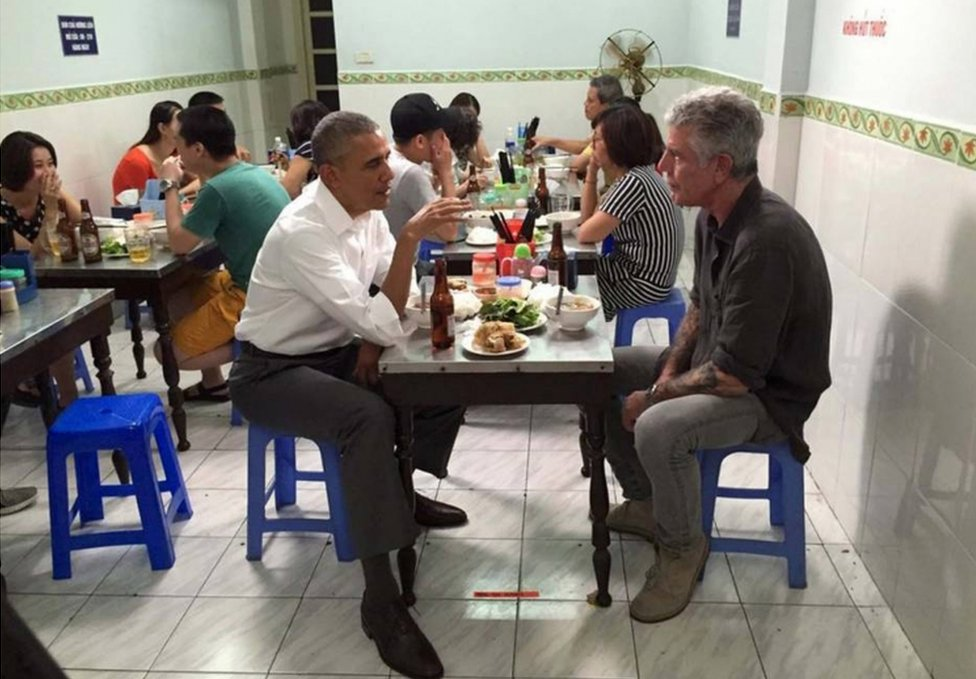 Barack Obama y Anthony Bourdain