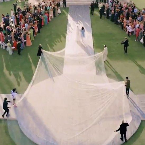 فستان زفاف تشوبرا