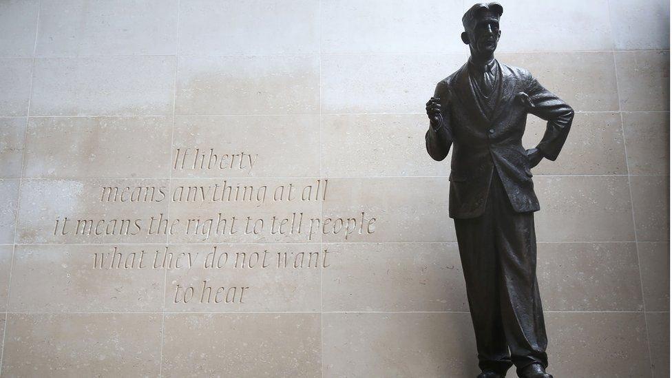 George Orwell heykeli