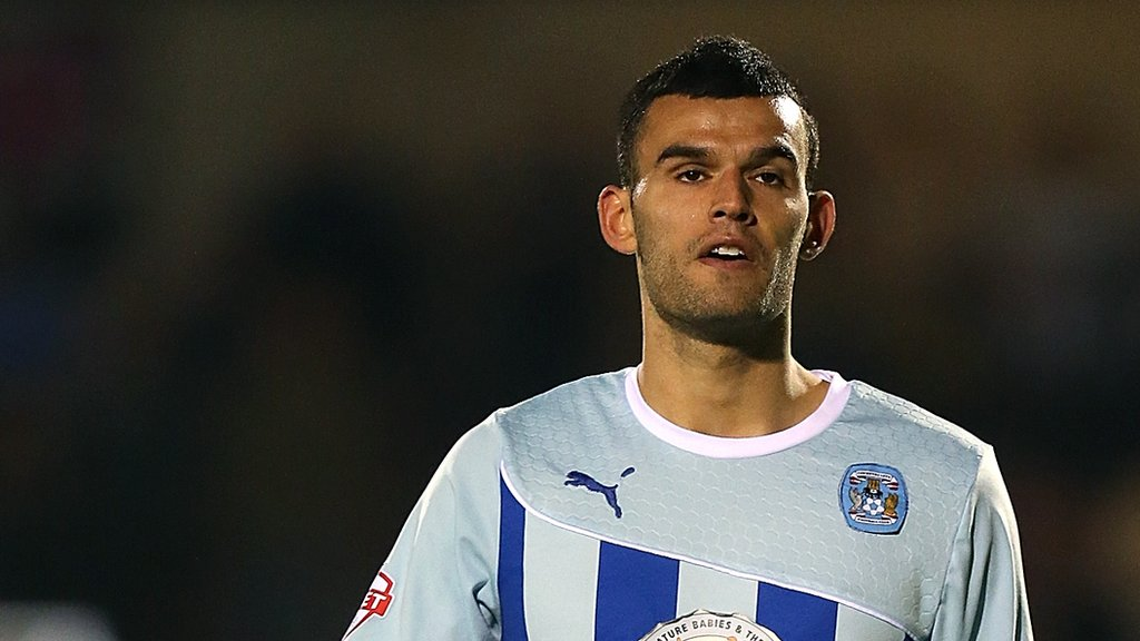 Conor Thomas: Cheltenham Town sign former Coventry City midfielder