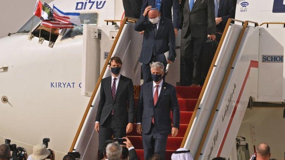 وصول أولى الرحلات الجوية المباشرة من إسرائيل إلى الإمارات