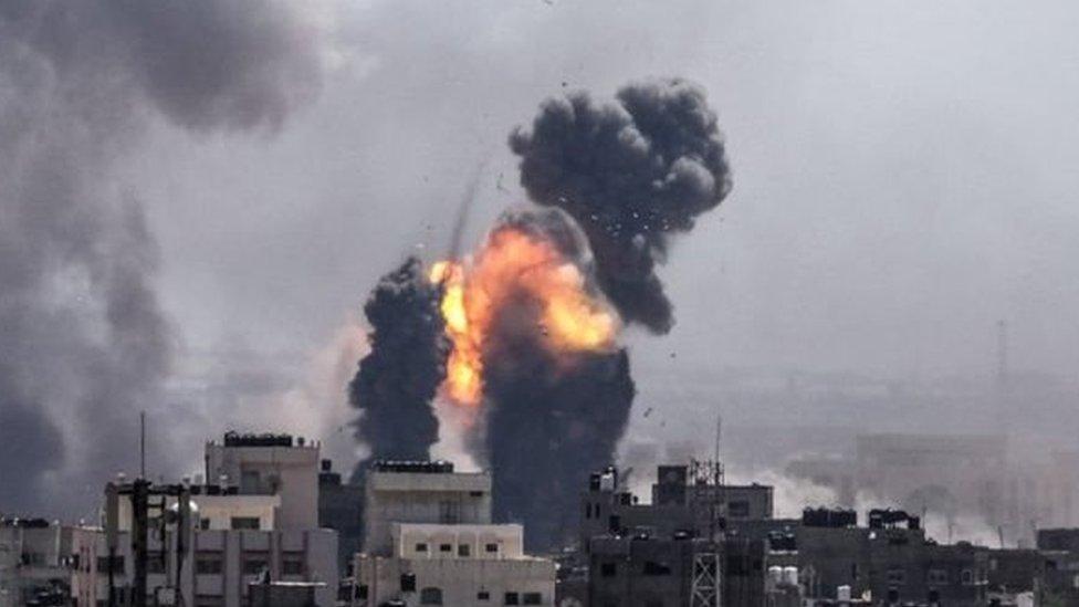 इसराइल का गज़ा पर जवाबी हमला,4 की मौत