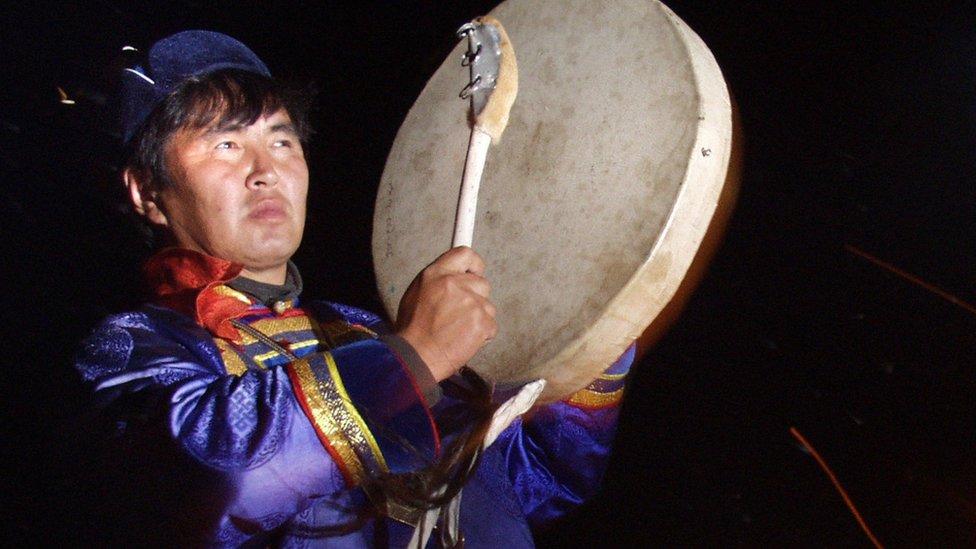 Udaranje u bubanj je tradicionalni deo paganskih rituala